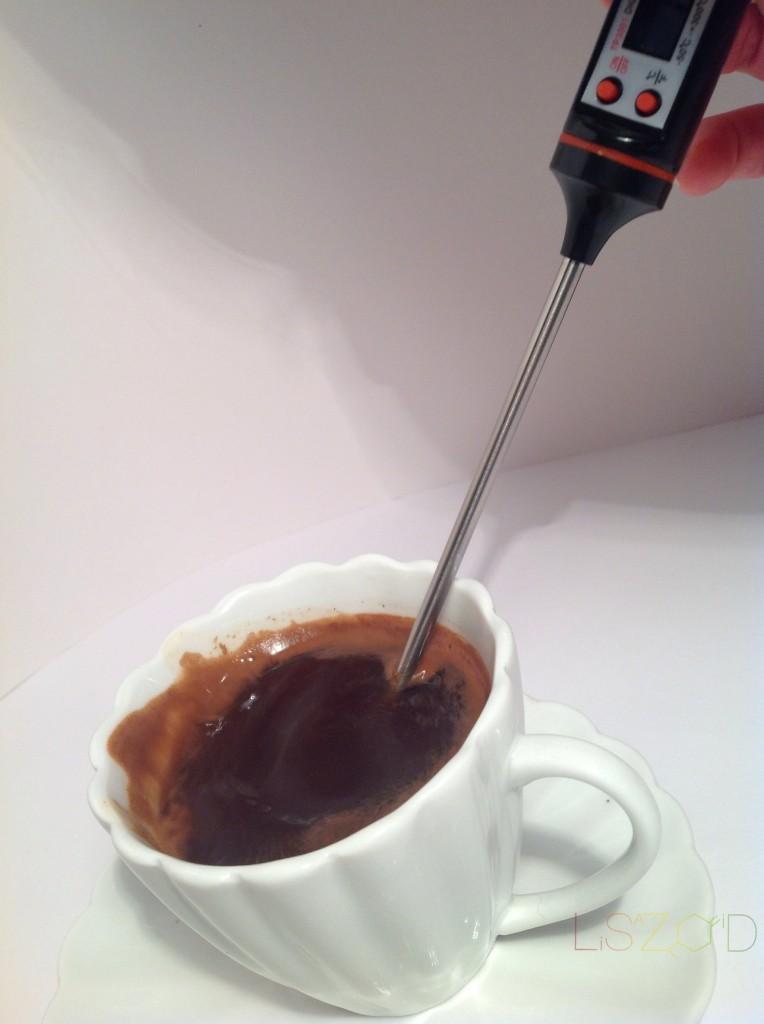 Hlađenje kafe duvanjem
