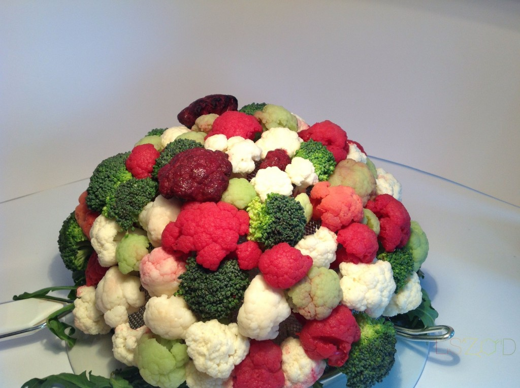 Brokoli-karfiol cvetni aranžman